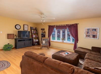 charleston-wv-real-estate-pictures-living-room
