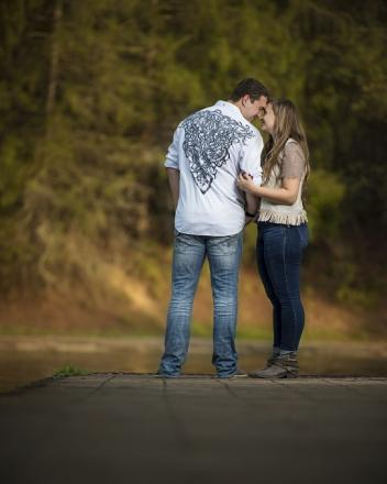 coonskin park wv engagement picture